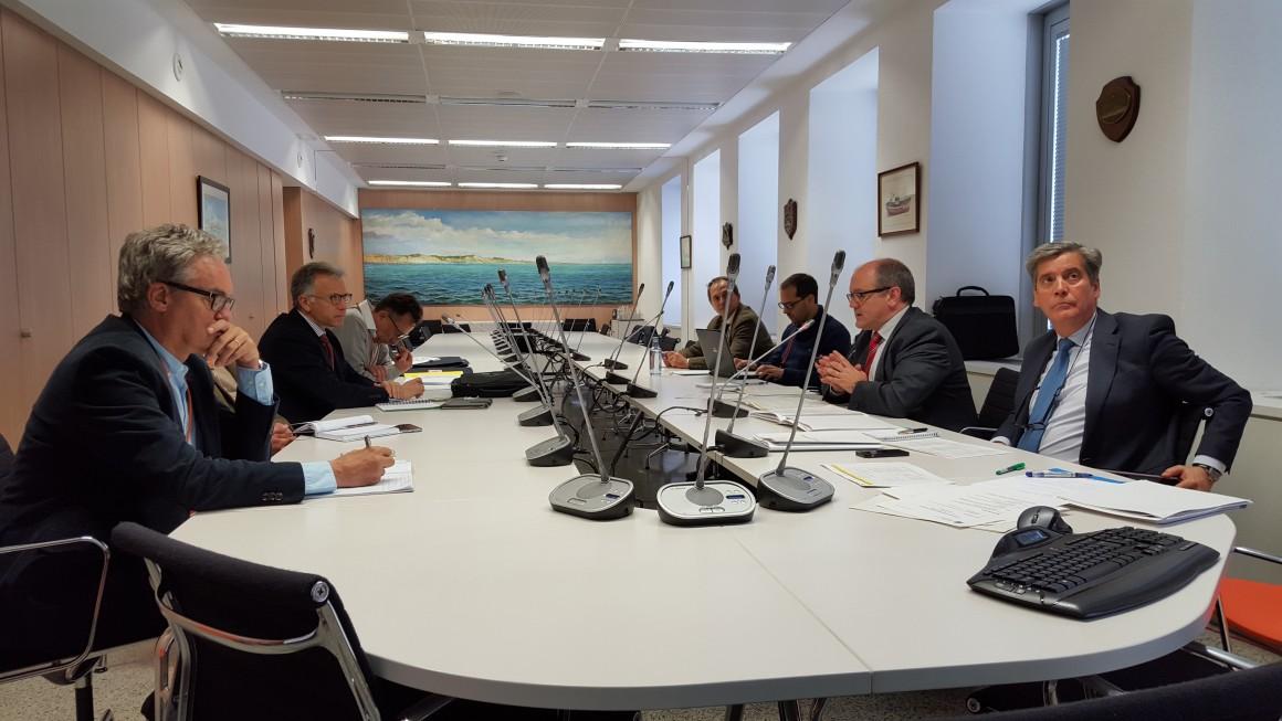 Andrés Hermida presenta un conjunto de propuestas para mejorar la situación de los recursos pesqueros del Mediterráneo