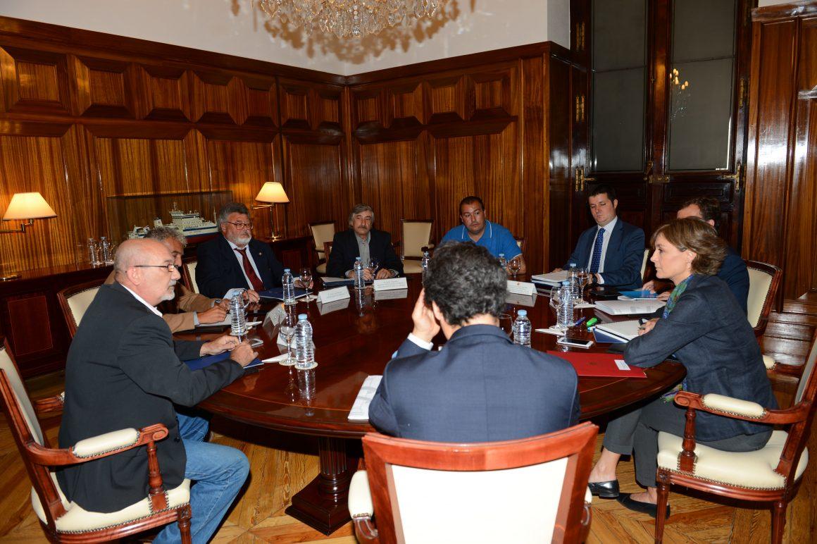 Isabel García Tejerina se reúne con la Plataforma en Defensa de la Pesca
