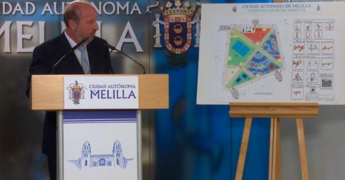 Quevedo presenta el proyecto de remodelación de la plaza del centro de salud de Cabrerizas