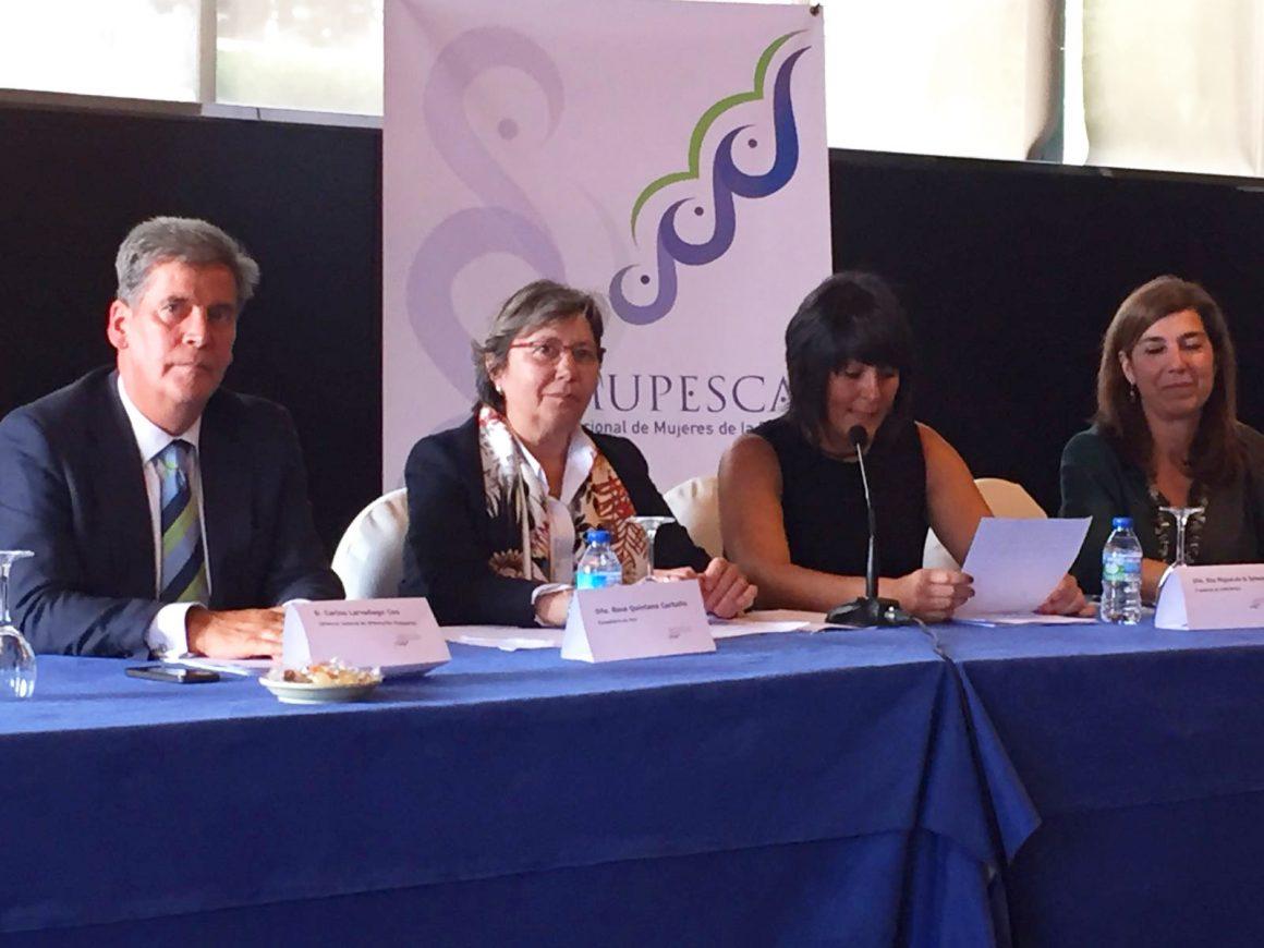 Carlos Larrañaga defiende la promoción de las trabajadoras del mar y su integración en las organizaciones sectoriales
