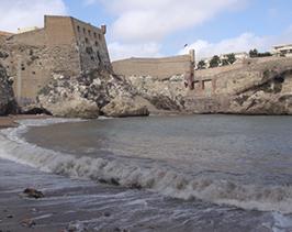 La Dirección General de Costas estudia cómo conservar la arena de las playas del Hipódromo, Alcazaba y Horcas Coloradas