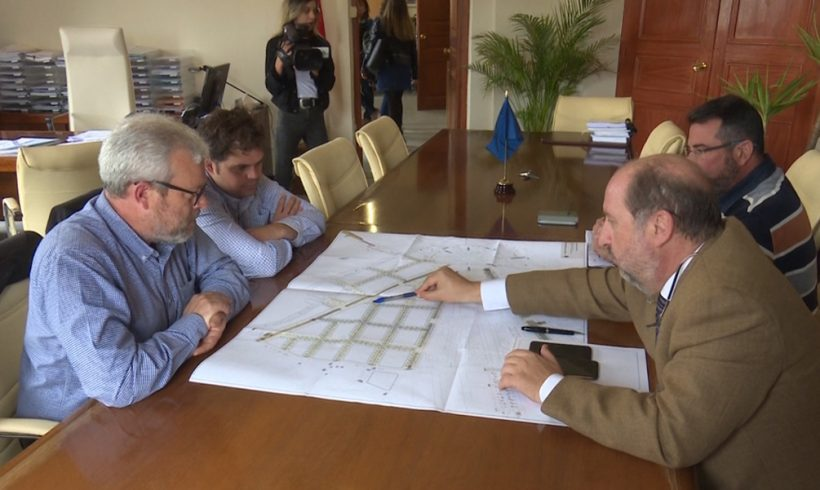 Quevedo detalla el Plan de Movilidad a los comerciantes de Zona Centro