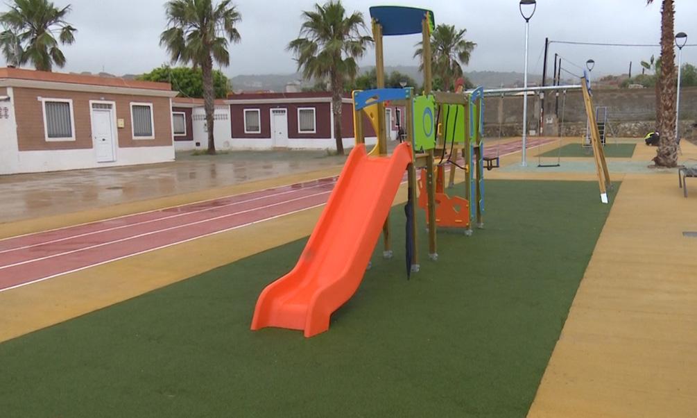 El barrio de Las Caracolas ya tiene un parque infantil para sus vecinos