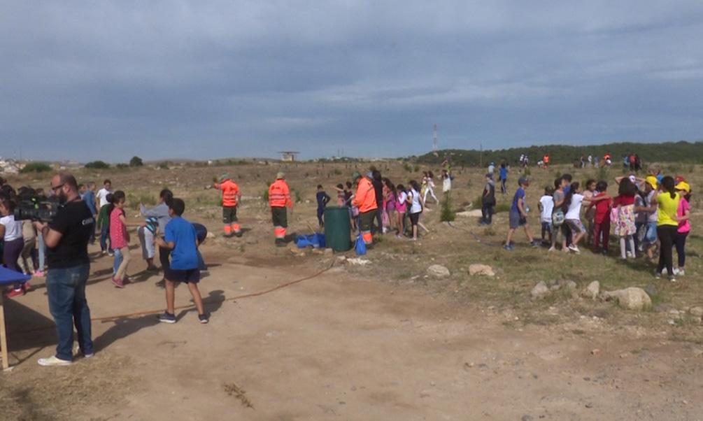 Medio Ambiente conciencia a los niños sobre la necesidad de reciclar
