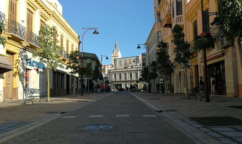 Concluye la renovación de la Calle Chacel con más protagonismo para el peatón