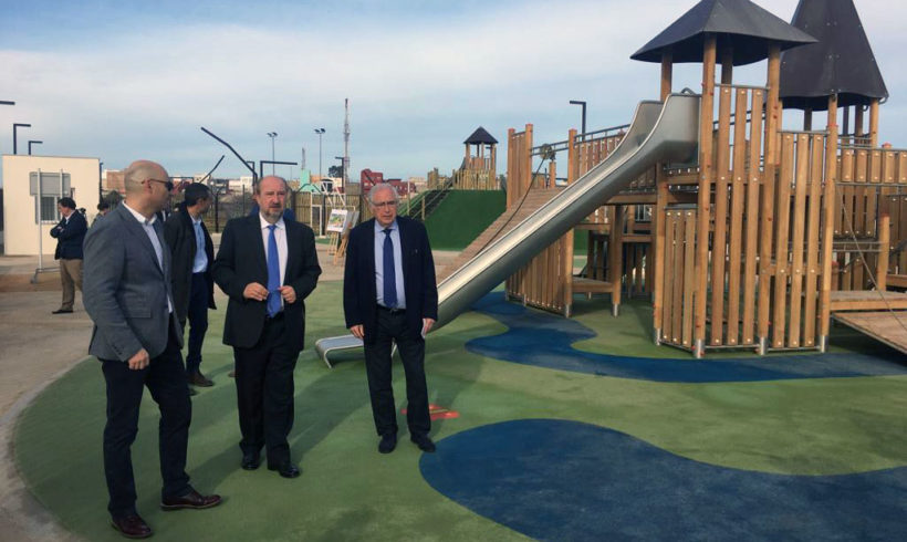 El parque infantil de Ronda Compañía de Mar abrirá en un par de semanas
