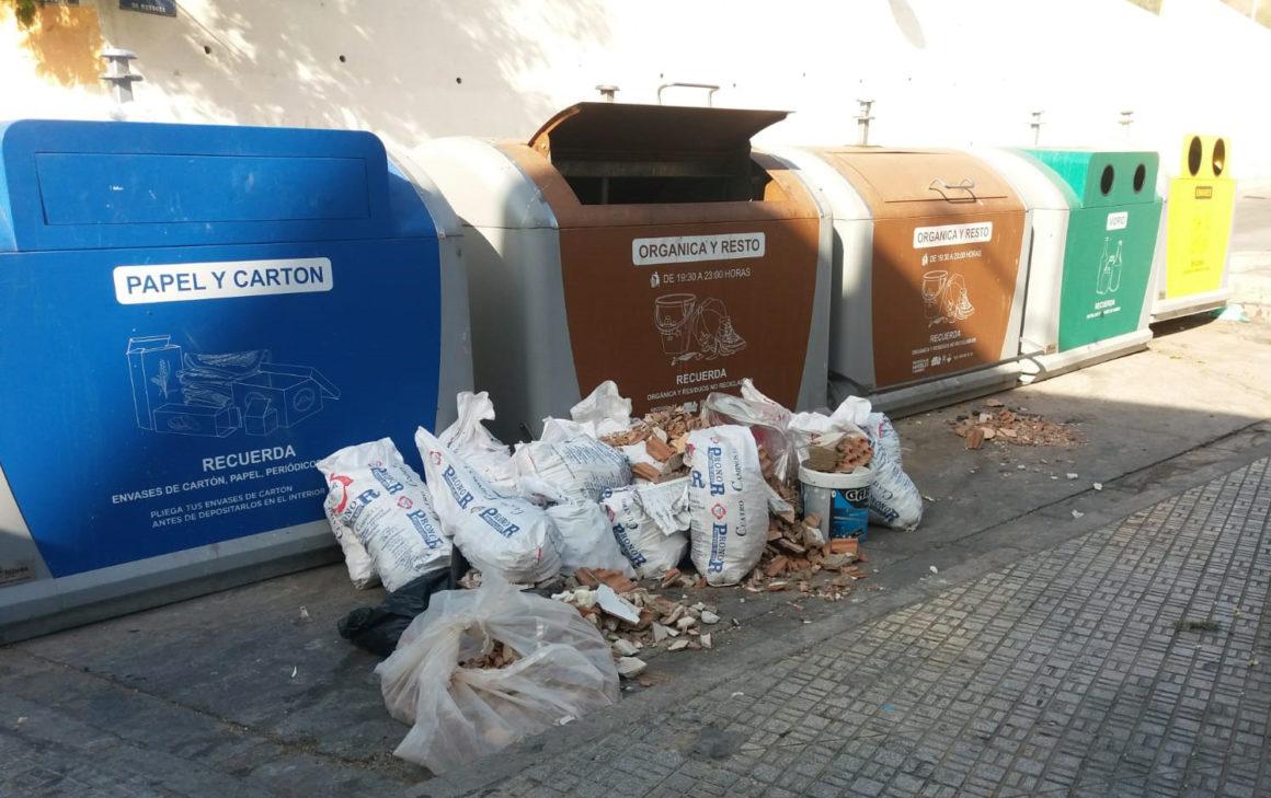 Medio Ambiente pide la colaboración ciudadana para depositar bien la basura en los contenedores