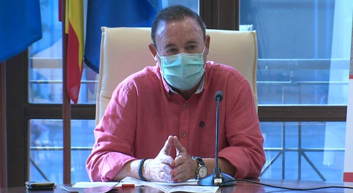 Vizcaíno explica la puesta en marcha de la ciclocalle para la coexistencia de vehículos motorizados y bicicletas